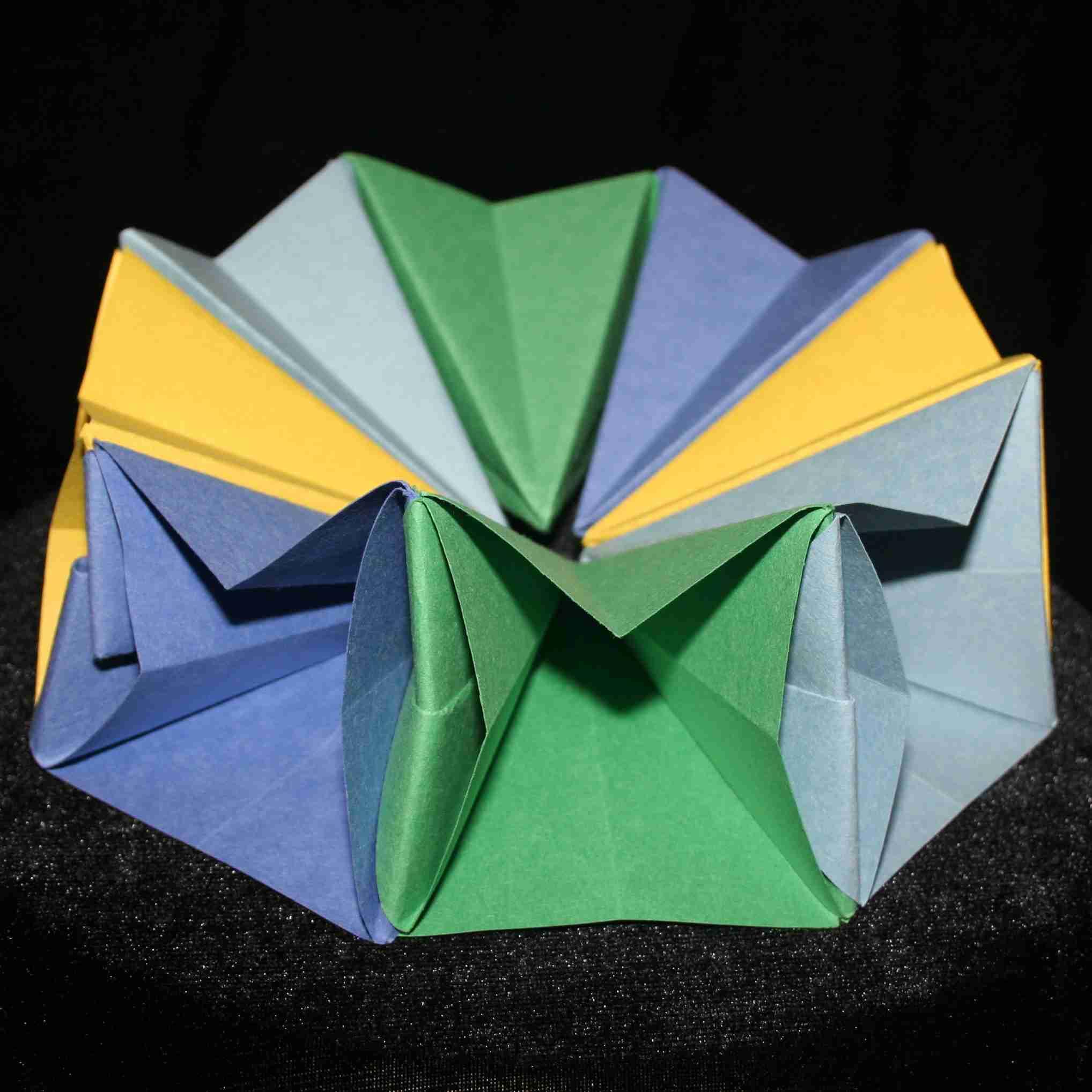 DIY How To Fold an Easy Origami Magic Circle Fireworks. Fun Paper ... | 2036x2036